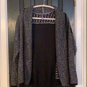 Gap soft black and white cardigan XL